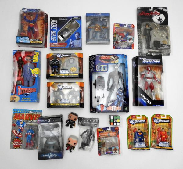 USA Caisse de jouets US sous blister Spiderman, Justice league, Startrek, Spawn, [...]