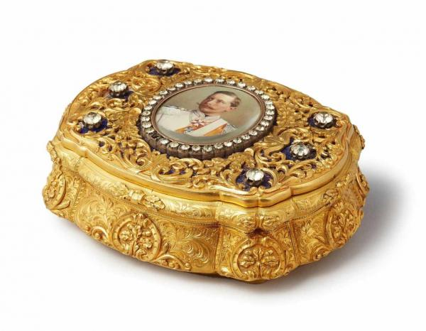 Imperial presentation box from German Emperor Wilhelm IIA 14k red and yellow gold [...]