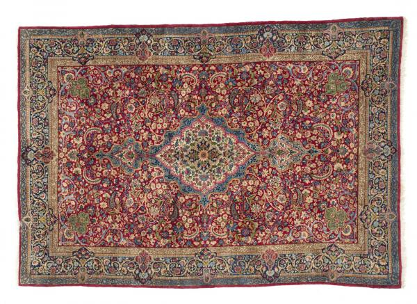 KIRMAN LAVER  Hand-knotted and hand-worked carpet, origin: Persia, 1940s. -  - [...]