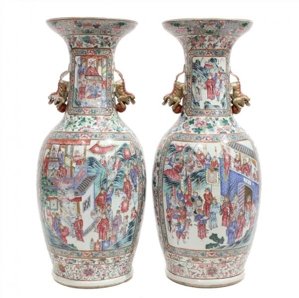 PAIR OF CHINESE CANTONESE VASES, C19th. -