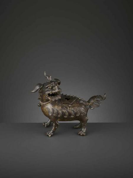 A LUDUAN BRONZE CENSER, MING China, 1368-1644. The bronze vessel with a pierced and [...]