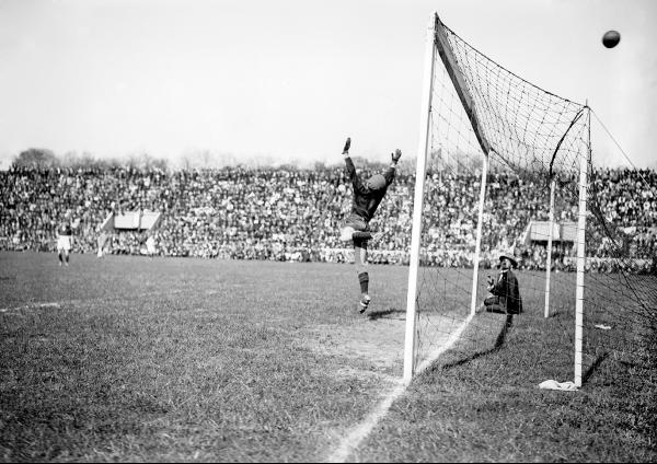 Red Star-Rennes - Finale de la Coupe de France 1922  - © Collections L'Équipe  - [...]