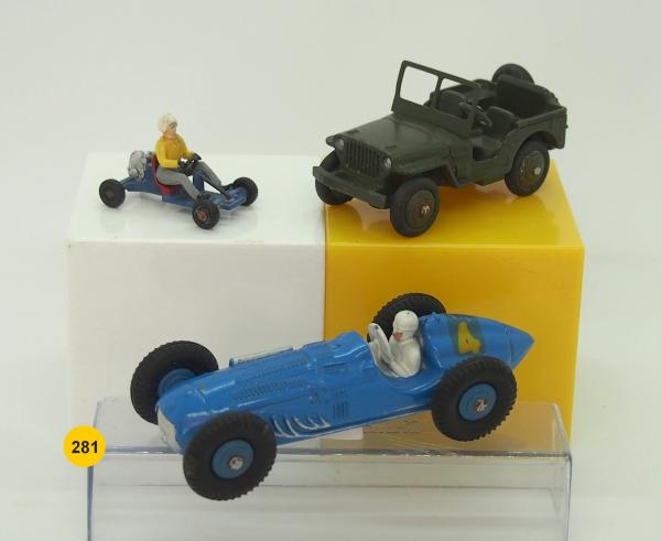 DINKY-TOYS - France - métal & plastique - 1/43e (3) LOT DE 3 PIECES COMPRENANT: :# [...]
