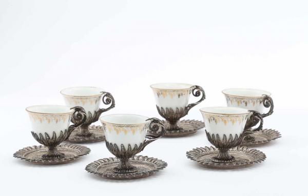 PORCELAIN AND SILVER FILIGREE SET, ZARF